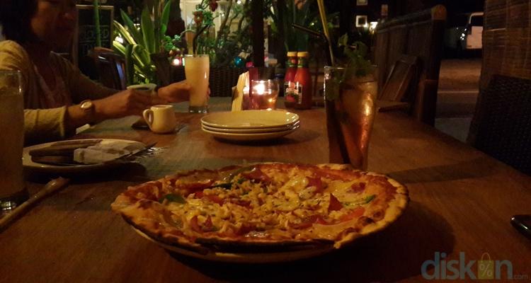 Jelajah Prawirotaman 4 Menyantap Kelezatan Pizza Aglioo Di Aglioo Pizza And Pasta Jogja