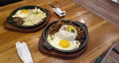 Menikmati Carbonara Penne Beef dan Beef Pepper Rice Telang Sauce ala Pepper on Plate