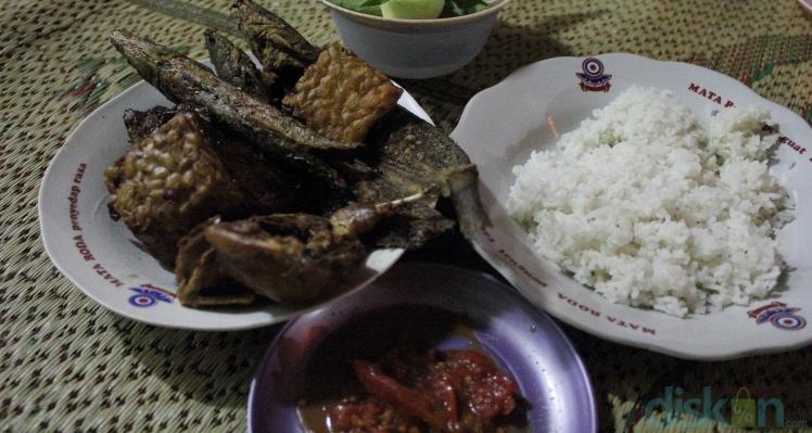 Penyetan Wonosari Daya Tarik Kuliner Di Pasar Lempuyangan Jogja