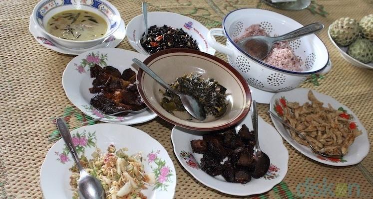 Sego Abang Jirak Selebritis Kuliner Dari Gunung Kidul Jogja